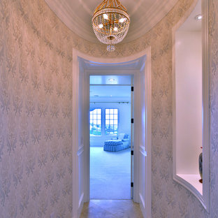 Example of a classic hallway design in Los Angeles