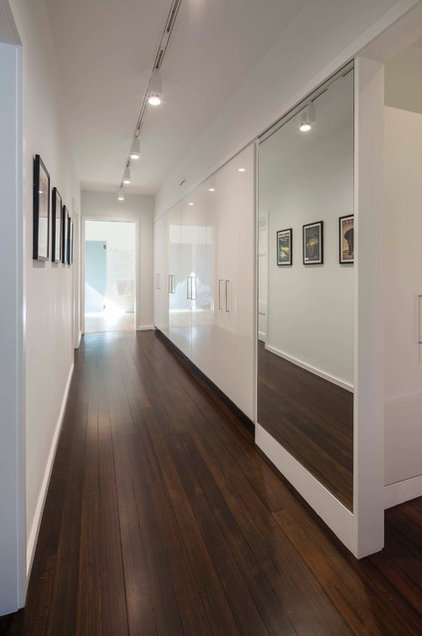 Contemporary Hall by aamodt / plumb architects