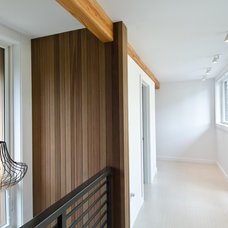 Contemporary Hall by Lee Edwards - residential design