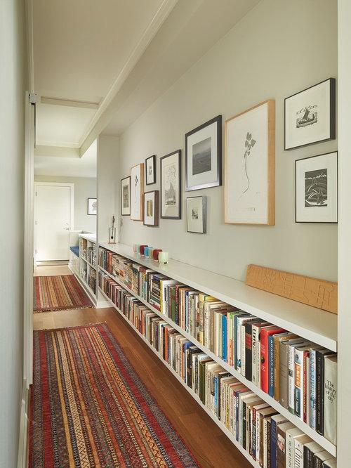 Kleiner Flur mit hellem Holzboden: Ideen für die Flurgestaltung