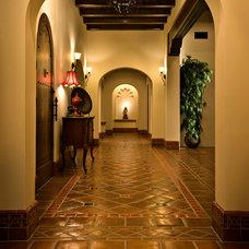 Mediterranean Hall by Casas del Oso Luxury Homes