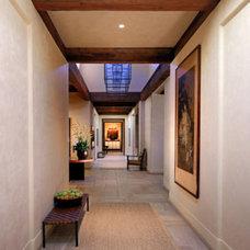Traditional Hall by Kingsmill Fine Custom Plastering