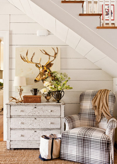 Shabby-chic Style Hall by Historical Concepts