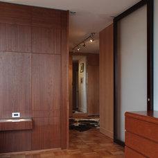 Modern Hall by Ricardo Zurita Architecture & Planning