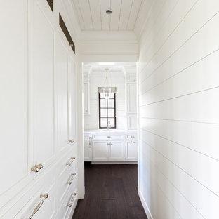 Idée de décoration pour un couloir style shabby chic.