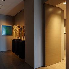Modern Hall by Zack|de Vito Architecture + Construction