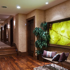 Traditional Hall by Markay Johnson Construction