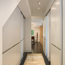 Contemporary Hall by Michael Merrill Design Studio, Inc