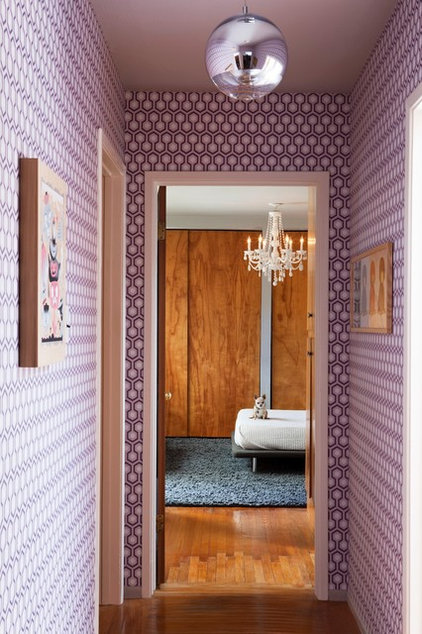 Eclectic Hall by Janel Holiday Interior Design