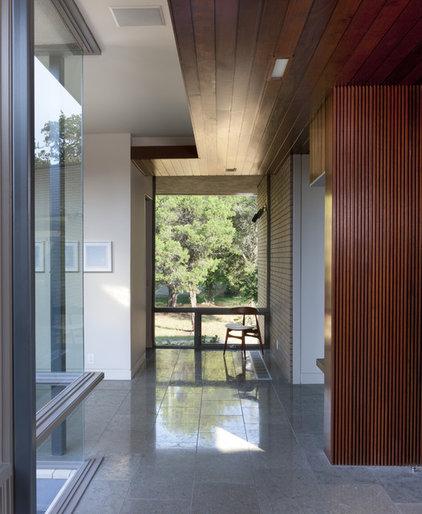 Modern Hall by Alterstudio