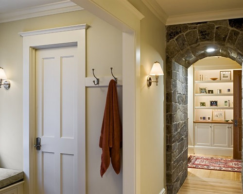 Door molding home design ideas pictures remodel and decor for Advanced molding and decoration