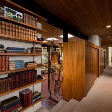 Midcentury Hall Spokane Midcentury - Mary Jean & Joel E. Ferris, II House