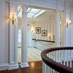 traditional staircase by Woodmeister Master Builders