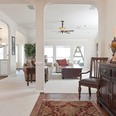 Traditional Hall by Attractive Listing