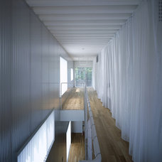 Contemporary Hall Steel House