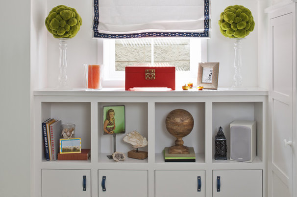 Eclectic Hall by Lucy Interior Design