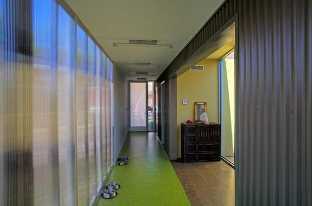 Modern Corridor by Dutton Architects Inc.