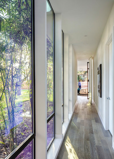 Midcentury Hall by MF Architecture