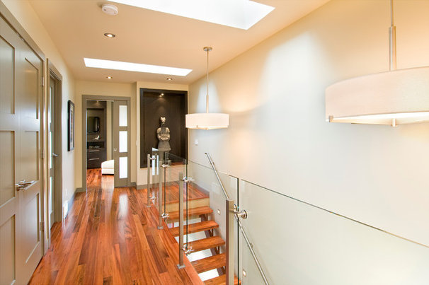 Contemporary Hall by Sabal Homes