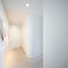 Modern Hall by Dale Jones-Evans Pty Ltd Architecture