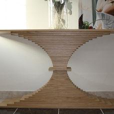 Contemporary Hall by Heaven & Stubbs Bespoke Furniture Ltd