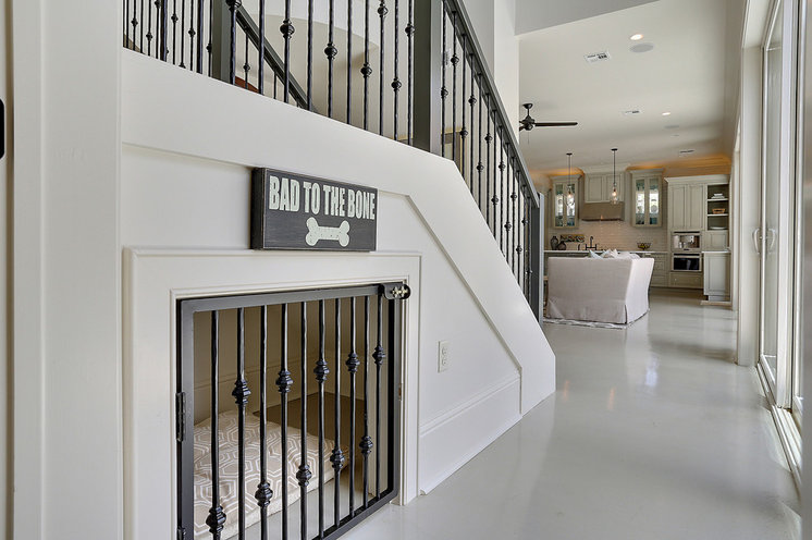 Contemporary Hall by Maison de Reve Builders LLC