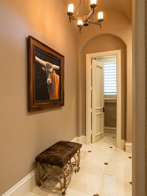 landhausstil flur mit marmorboden ideen design bilder houzz. Black Bedroom Furniture Sets. Home Design Ideas