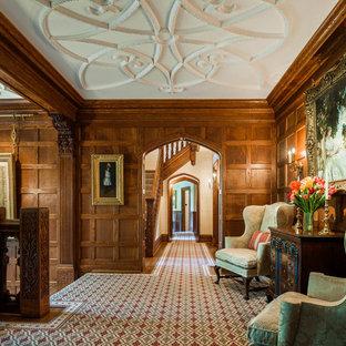Diseño de recibidores y pasillos tradicionales con moqueta