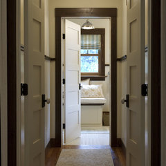 traditional hall by Michelle Fries, BeDe Design, LLC