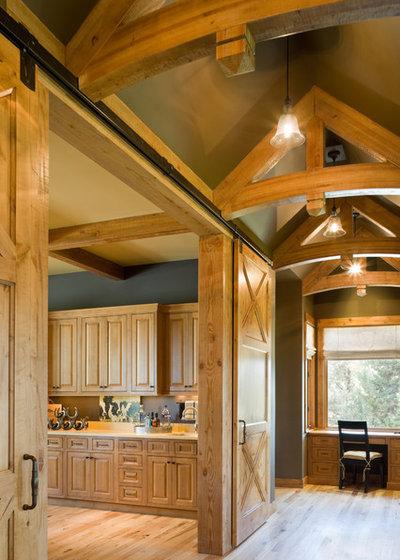 Rustic Hall by Alan Mascord Design Associates Inc