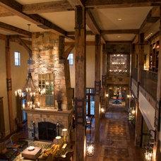 Traditional Hall by Ellis Custom Homes LLC