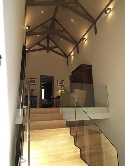 Contemporary Hall by Joel Kelly Design