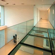 Modern Hall by Vanguarda Architects