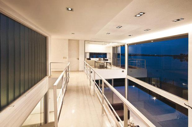 コンテンポラリー 廊下 by Vanguarda Arquitectos