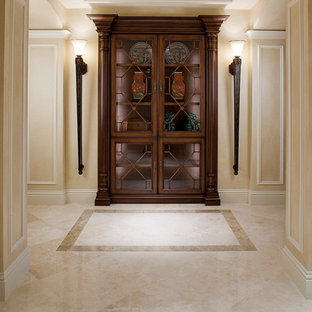 Example of a classic hallway design in Miami