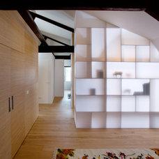 Modern Hall by Plexwood