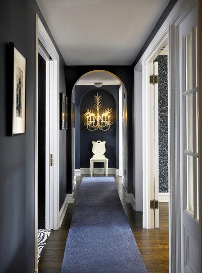 Quali colori scegliere per un corridoio stretto e lungo?