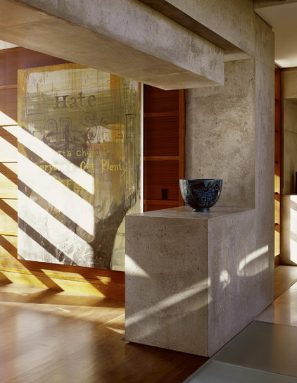 Contemporary Hall by Ehrlich Architects