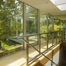 Modern Hall by Marmol Radziner