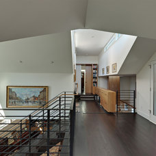 Modern Hall by Tom Hurt Architecture