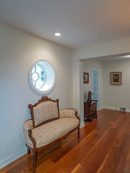 klassischer flur mit vinyl boden design ideen bilder beispiele houzz. Black Bedroom Furniture Sets. Home Design Ideas