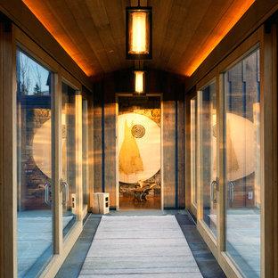 Immagine di un ingresso o corridoio stile rurale di medie dimensioni