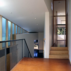 Modern Hall by David Coleman / Architecture