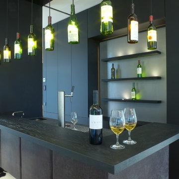 Moderne Villa mit Skybar, Weinkeller und großzügiger Wohnküche