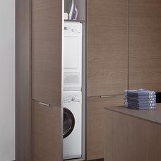Modern Laundry Room by Leicht Küchen AG