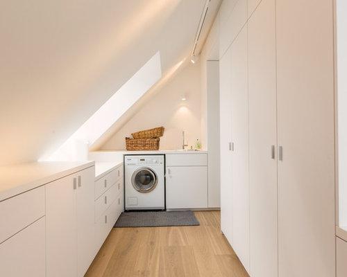 Ideen Für Mittelgroße Moderne Waschküchen In U Form Mit Einbauwaschbecken,  Flächenbündigen Schrankfronten, Weißen