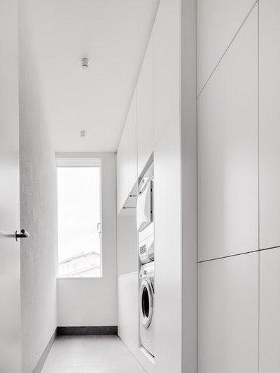 Minimalistisch Hauswirtschaftsraum by CAMA A