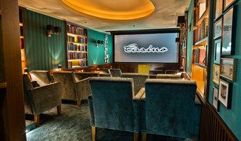 Der Salon - Wohnzimmer. Bar. Clubkino.