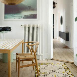 На фото: кабинет в скандинавском стиле с