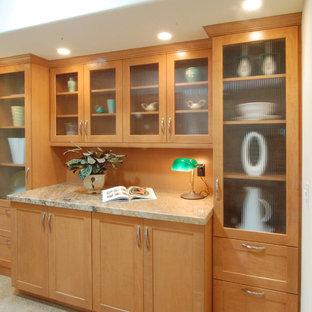 Foto di un piccolo angolo bar senza lavandino minimalista con ante in stile shaker, moquette, paraspruzzi in legno e pavimento bianco